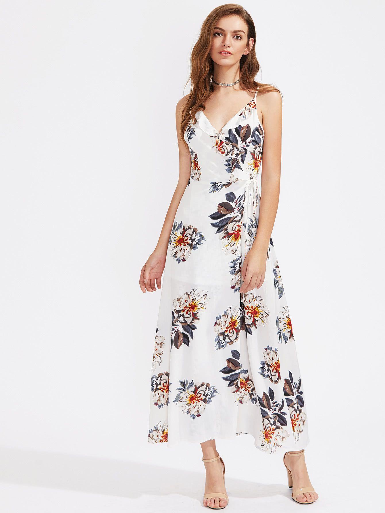 bd5364f0354c7 ¡Consigue este tipo de vestido informal de SheIn ahora! Haz clic para ver  los detalles. Envíos gratis a toda España. Floral Print Frill Trim Cami  Dress  ...