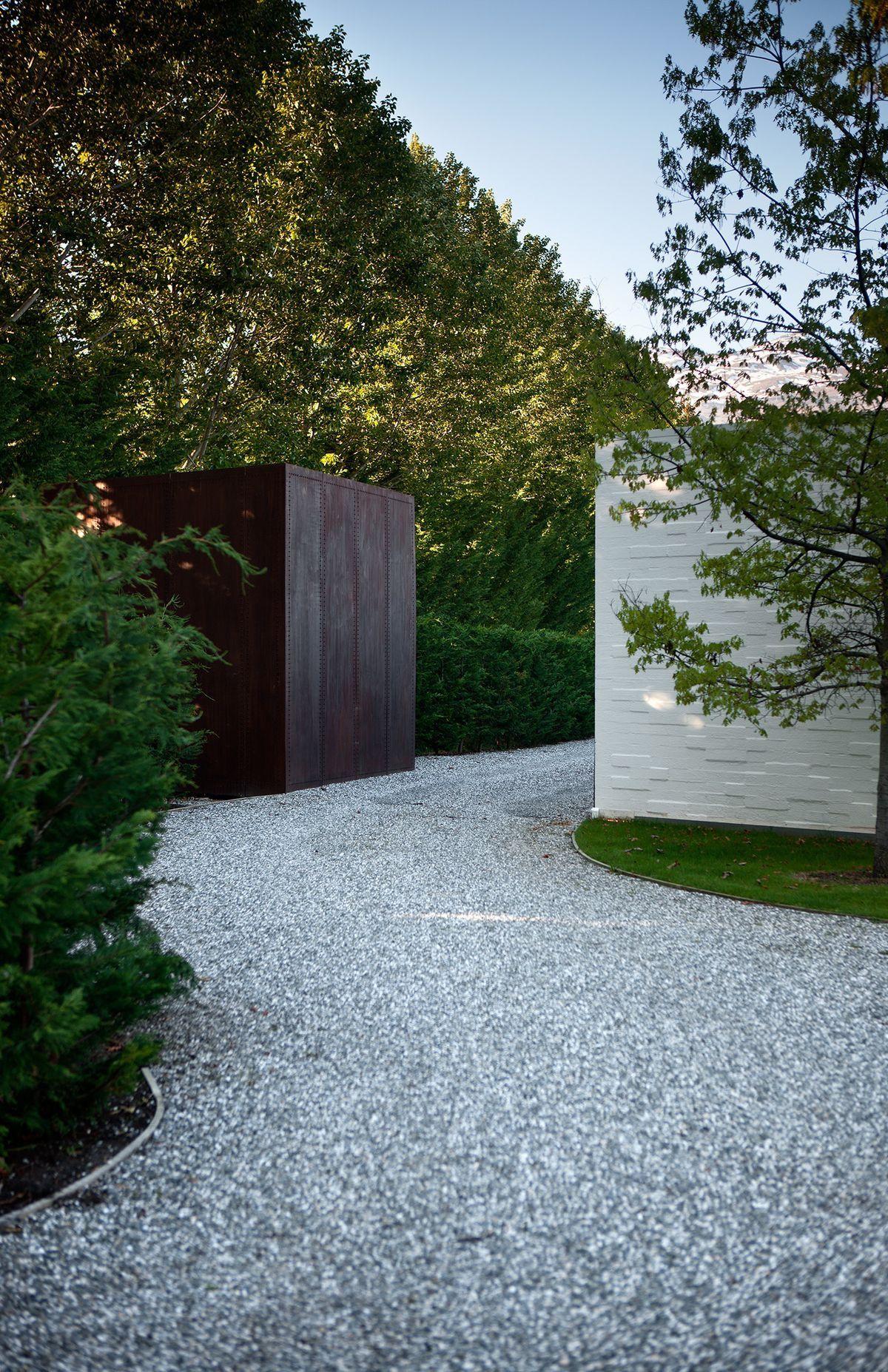Landscape design image by Books on TreeHouse | Modern ...