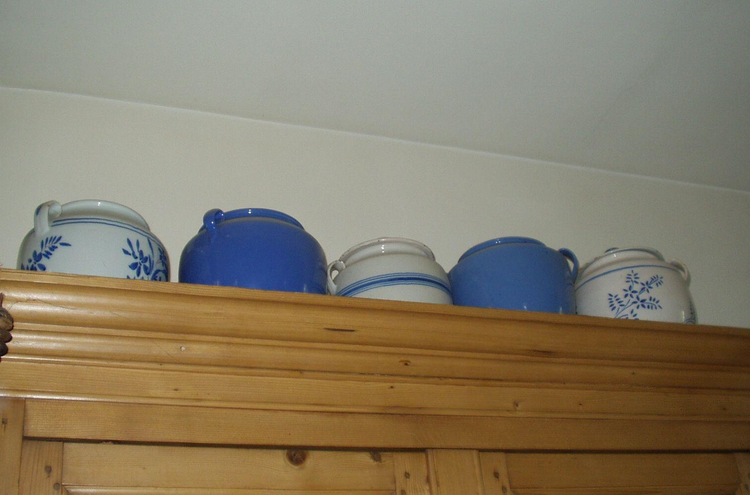 Pots à graisse bleus