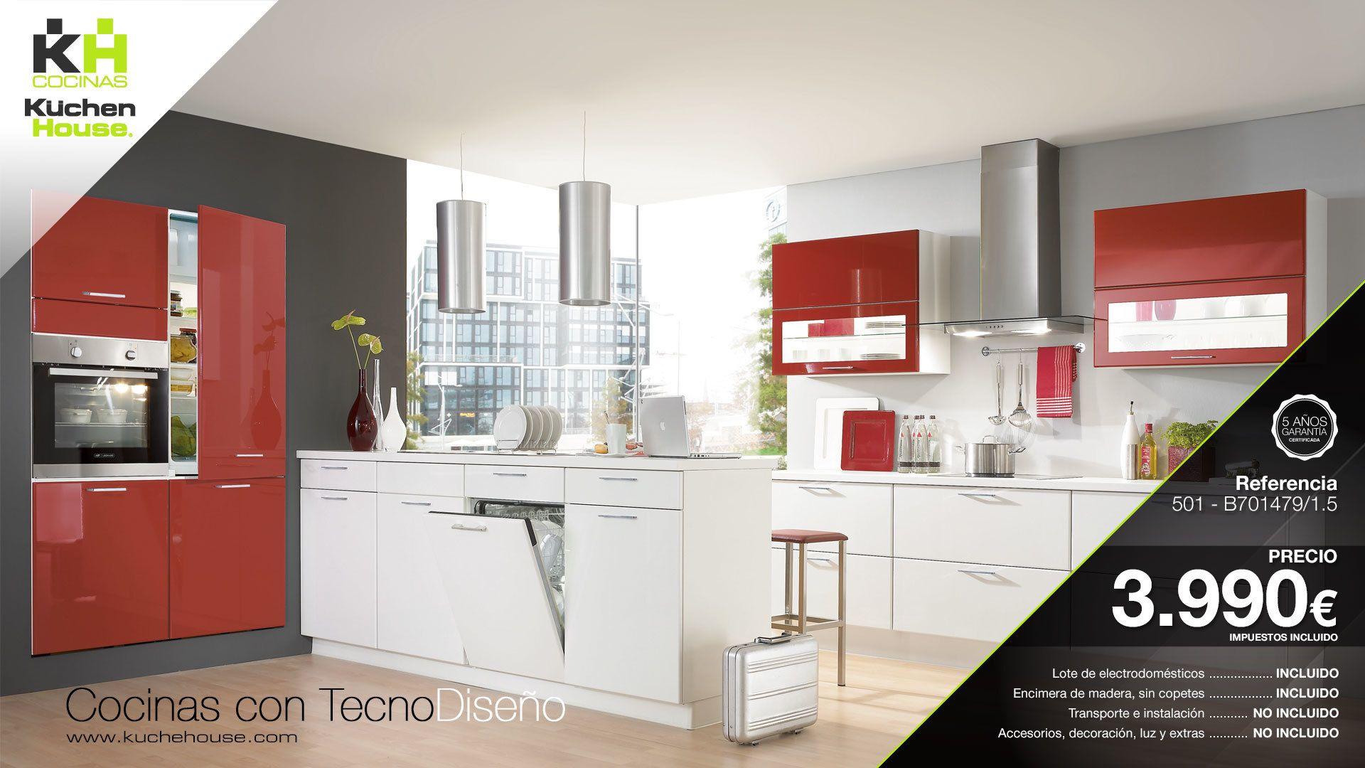 Una cocina con isla y dos frentes en rojo lacado y blanco, tan ...