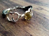 Cotantik silver + amber bracelet with natural textile / Brazalete de plata + ámbar con textil natural