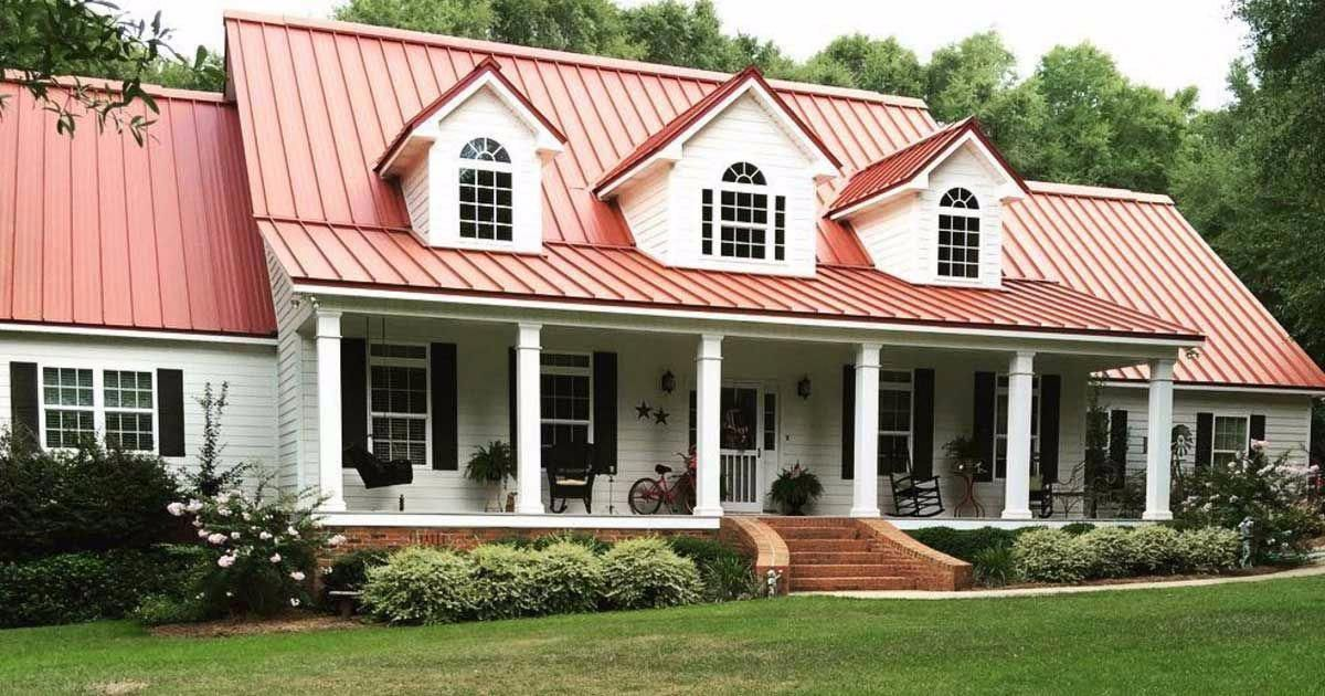 This Farmhouse With Its Metal Roof And Black Shutters Has All The Elements Of A Classic Country Home R Farmhouse Exterior Colors Red Roof House House Exterior