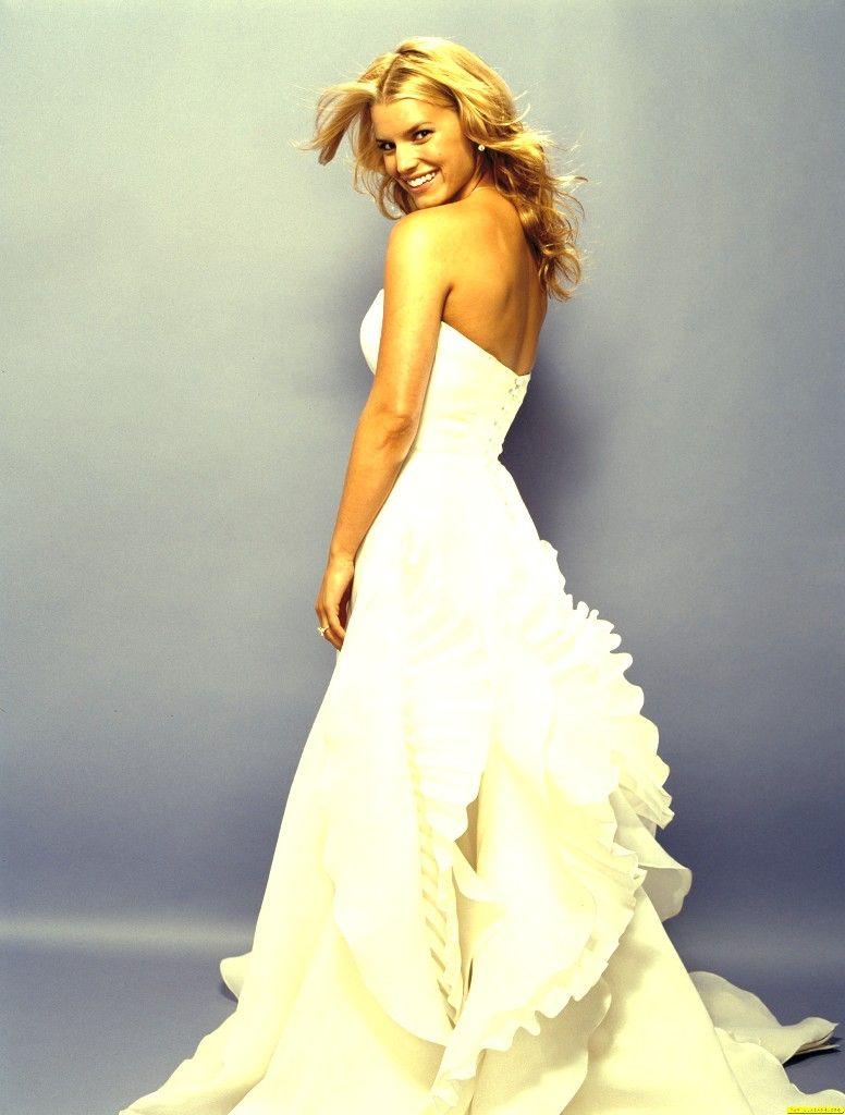 Jessica simpson wedding dress  Pin by Danuelle Day on Jessica Simpson  Pinterest  Jessica simpsons