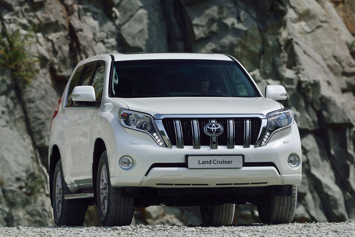 With the 2016 toyota land cruiser hybrid toyota is seen to offer a better solution to the world s emission problem from the suv s as this model will come