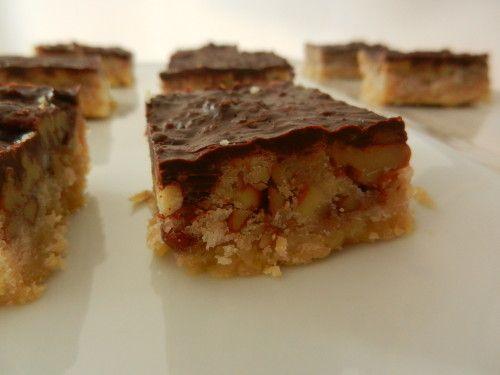 Carrés au caramel / chocolat et noix de pécan