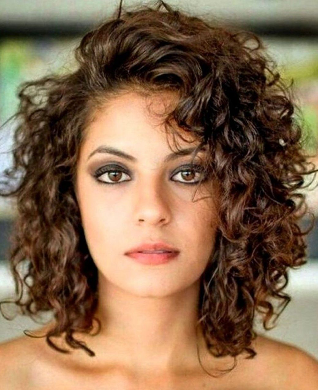 15 Chic Curly Hairstyles To Make You Look More Charming Until now, curly  hairstyles still have th… in 2020 | Curly hair styles, Medium curly hair  styles, Medium hair styles