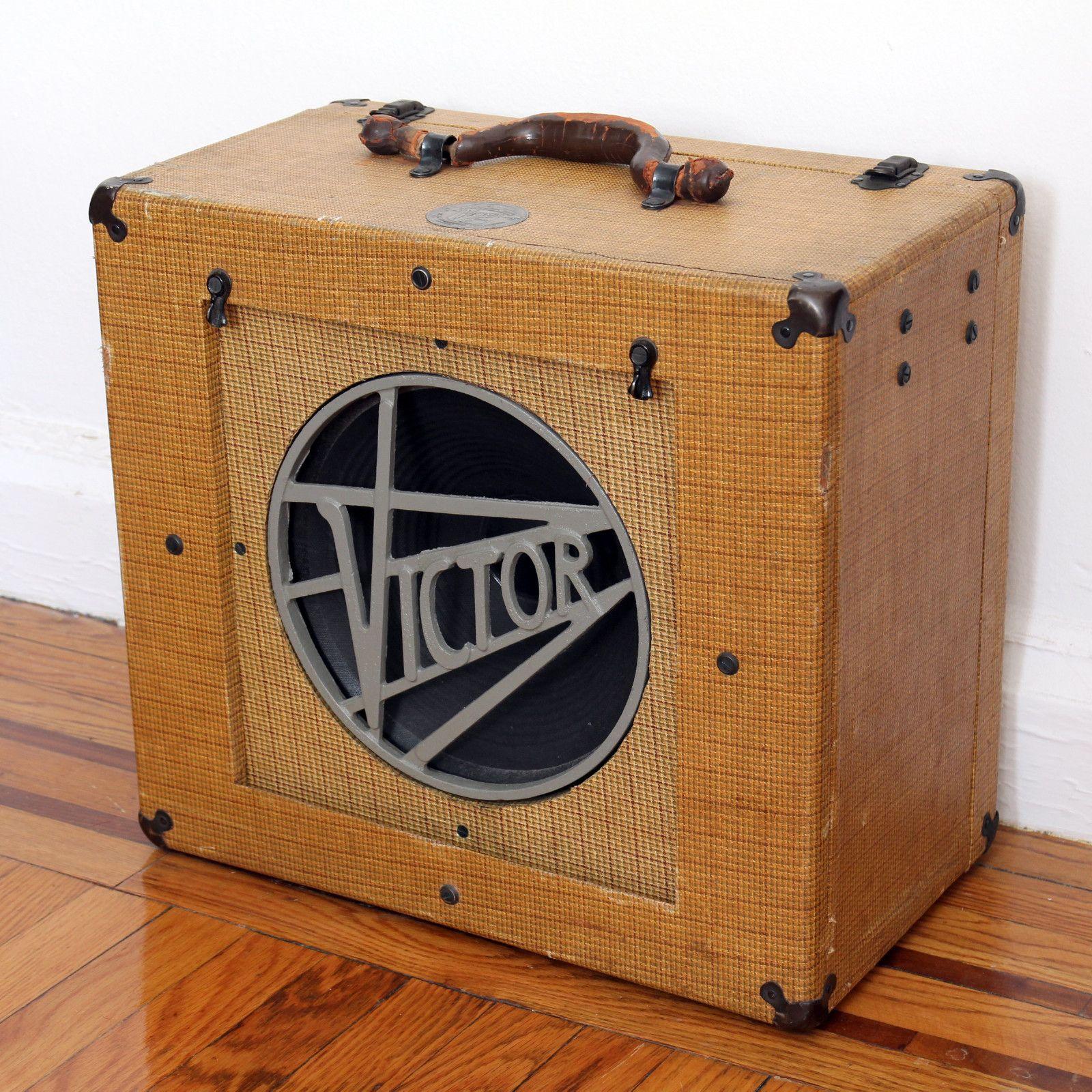 antique vintage tweed victor speaker cabinet amps and pedals guitar amp vintage guitars. Black Bedroom Furniture Sets. Home Design Ideas
