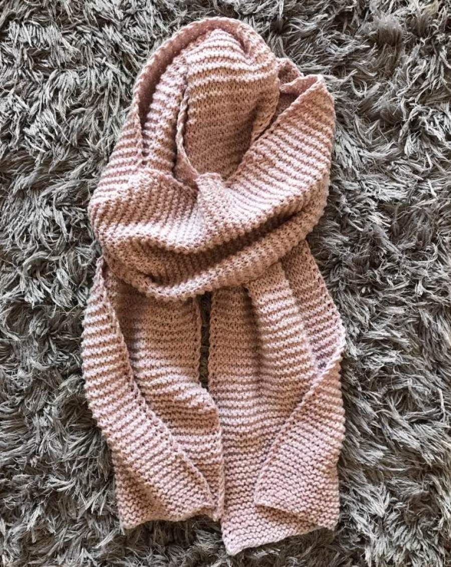 Beginners Knit Blanket Scarf with a Twist - ZoeCreates ...