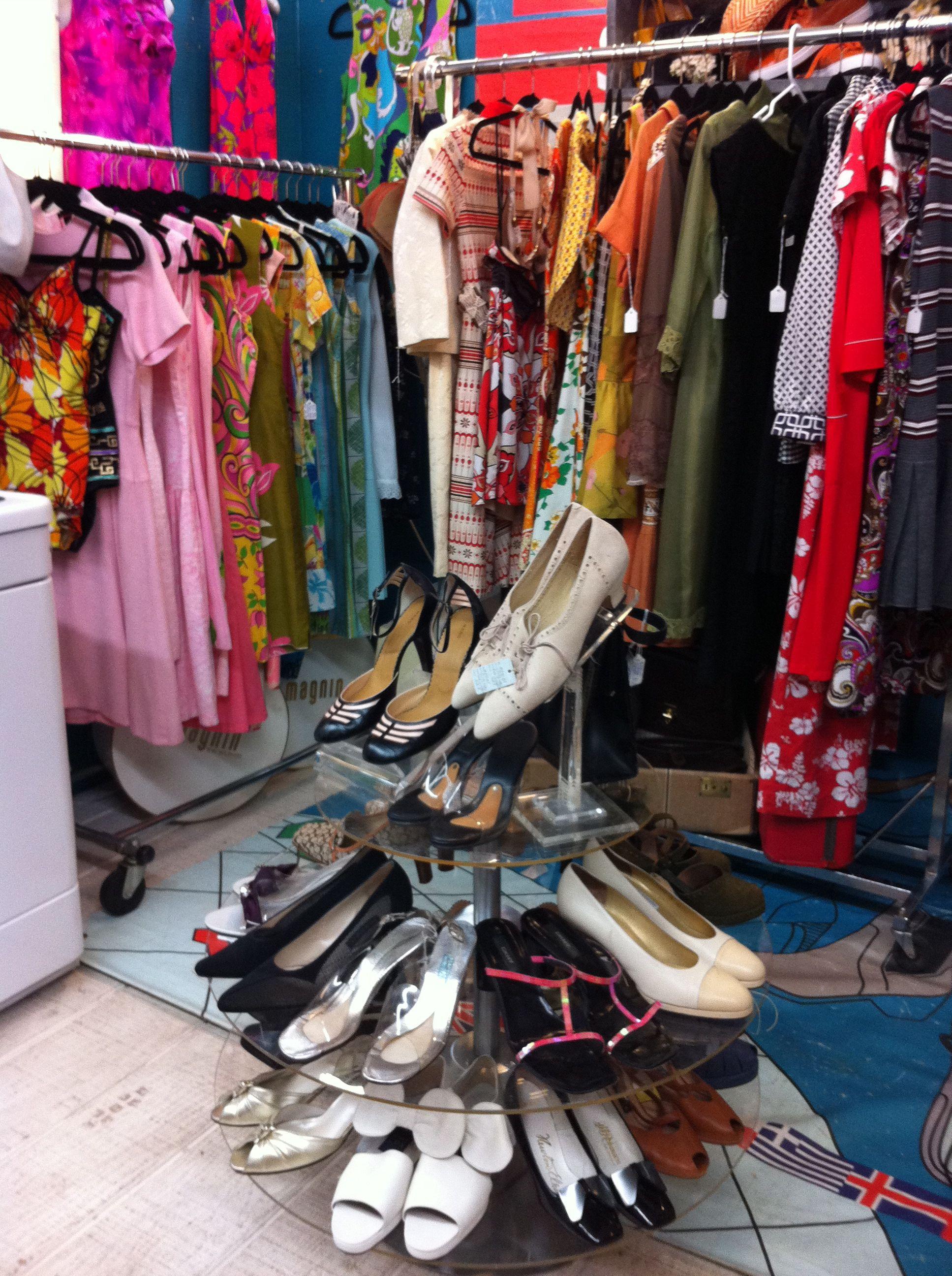 My Vintage Clothing Booth Decorar Tiendas De Ropa Tiendas De Ropa Ropa