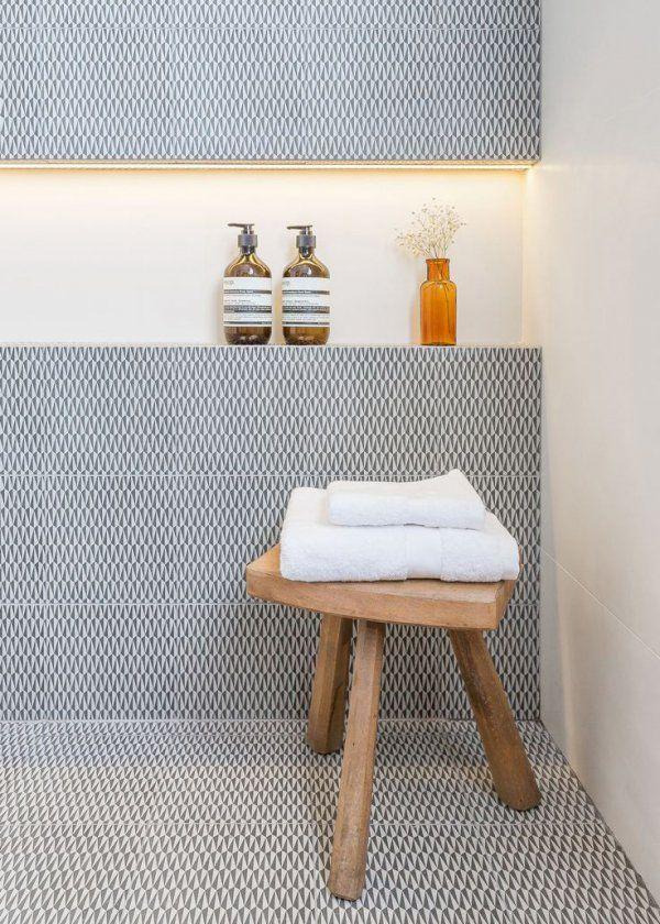 Décoration salle de bain : quand les flacons deviennent éléments ...