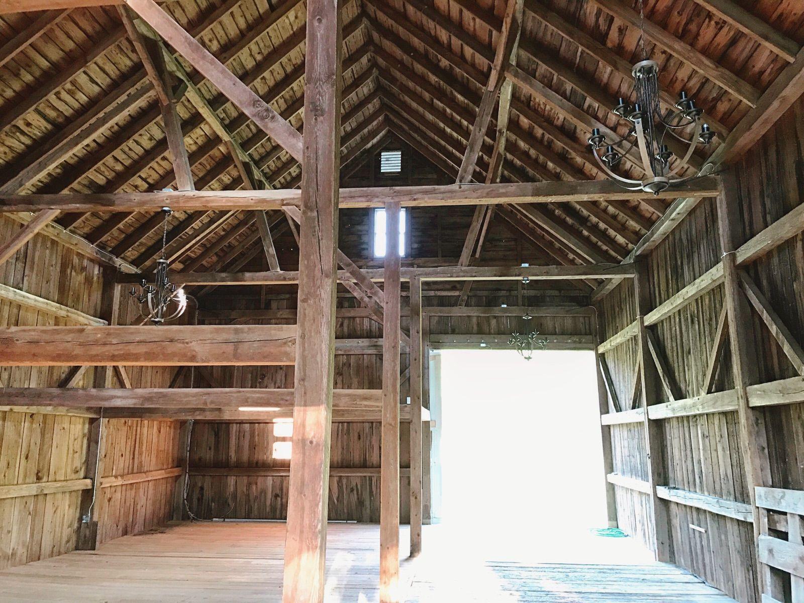 Hay Barn Interior At Cunningham Farm Barns Estate Venue In Maine Maine Wedding Venues Barn Wedding Venue Maine Wedding