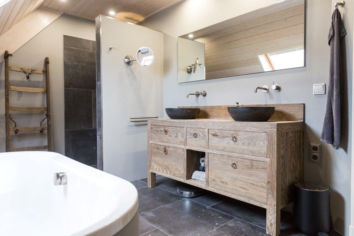 Gele Vloertegels Badkamer : Badkamer landelijk stoer robuust keramische tegels