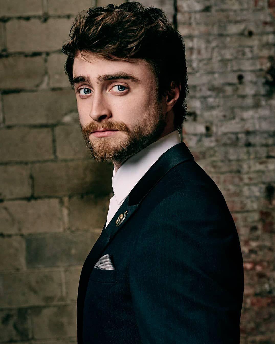 Daniel Radcliffe Instagram Post • Aug 12, 2019 at 6:38 UTC - Daniel  Radcliffe... - Daniel Radcliffe Insta… in 2020 | Daniel radcliffe, Daniel  radcliffe photoshoot, Daniel
