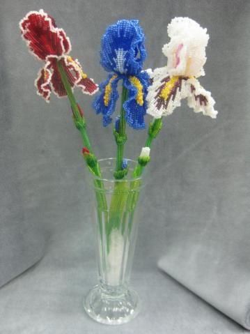 Beaded art flowers iris