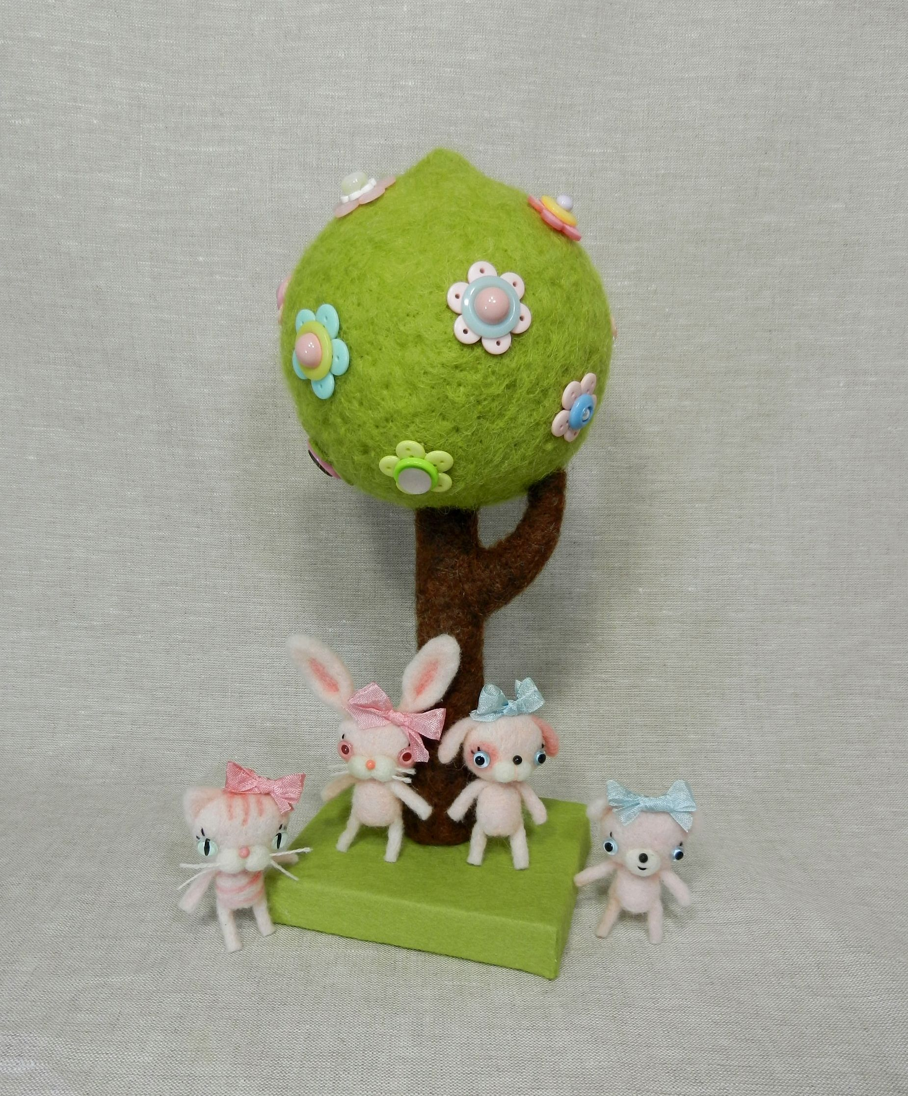 Cupcake Babies under the Button Tree