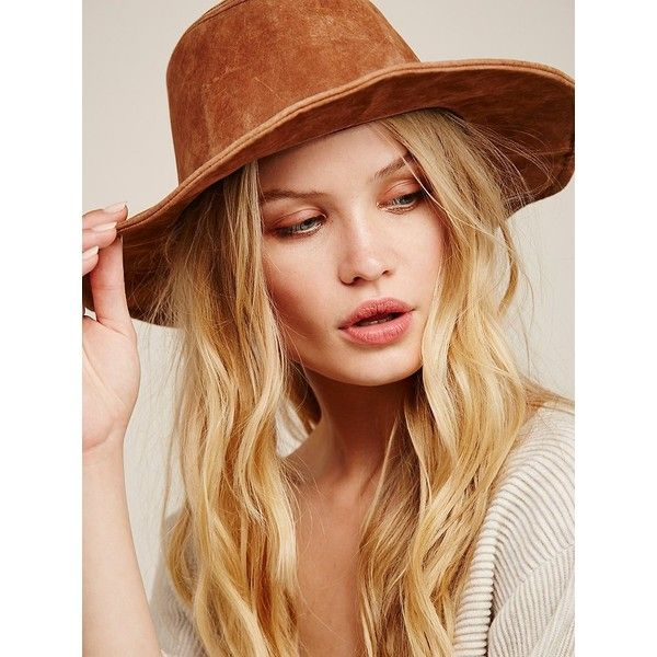 Wanderlust Suede Hat (196.705 COP) ❤ liked on Polyvore featuring accessories, hats, free people hats and suede hat