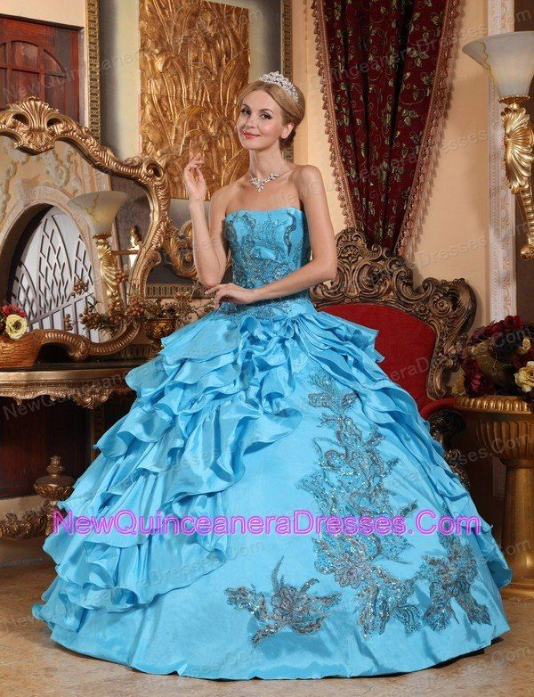 8dcb915031f http   www.newquinceaneradresses.com color baby pink-quinceanera