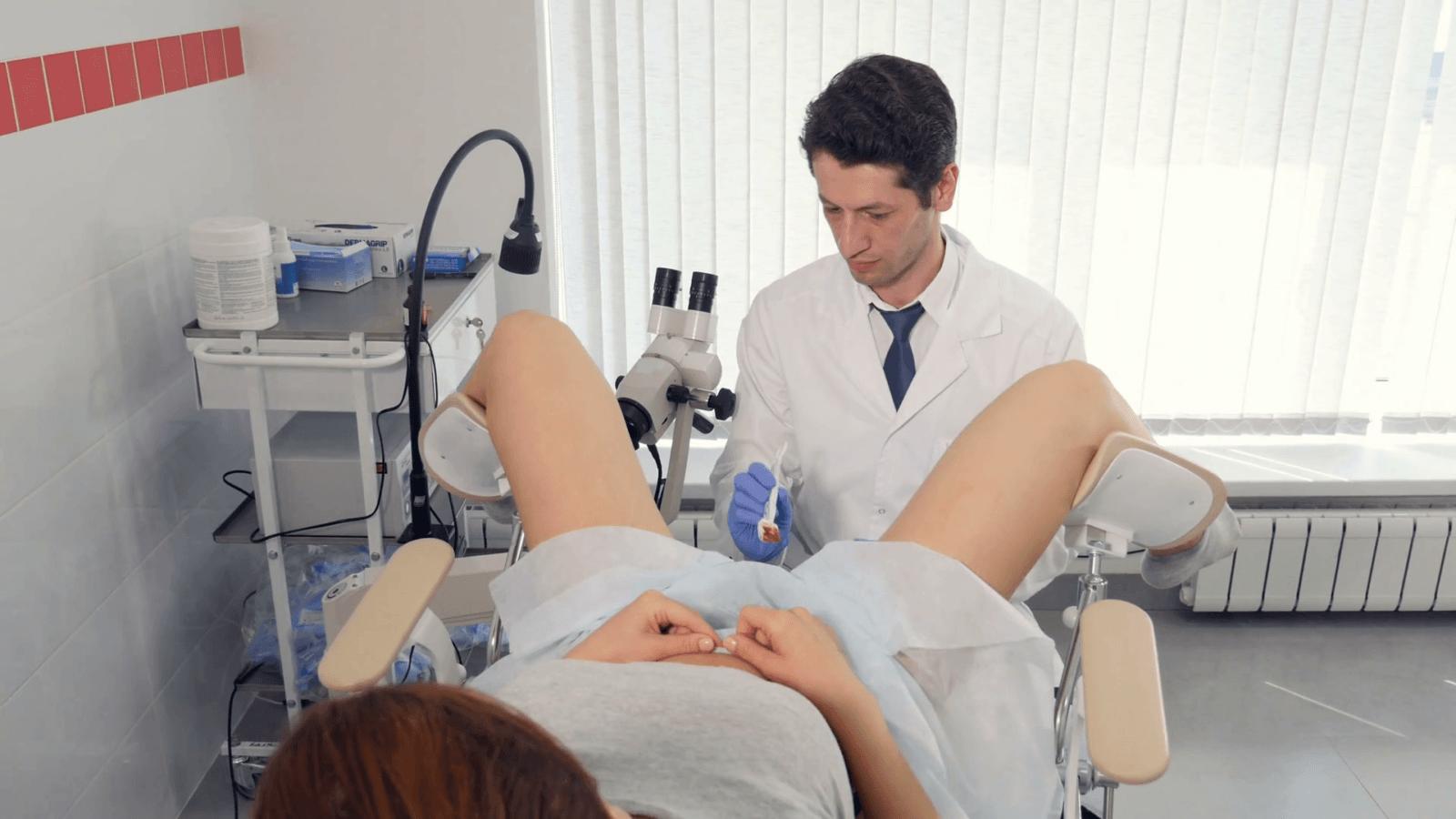 Девушка у гинеколога смотреть в хд качестве