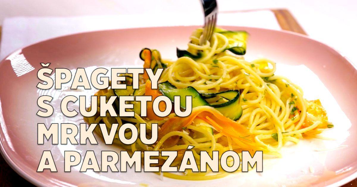 Milujete cestoviny? Skúste si tentoraz pripraviť špagety s cuketou, mrkvou a parmezánom. Prekvapí vás, ako skvelo chutia.