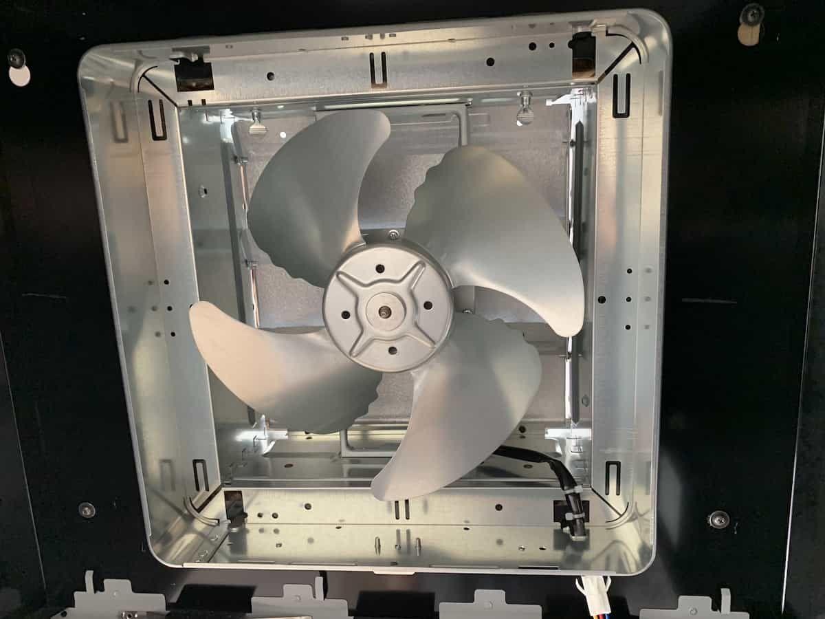 レンジフードと換気扇をdiyで交換リフォームする方法 2020 換気扇 レンジフード リフォーム