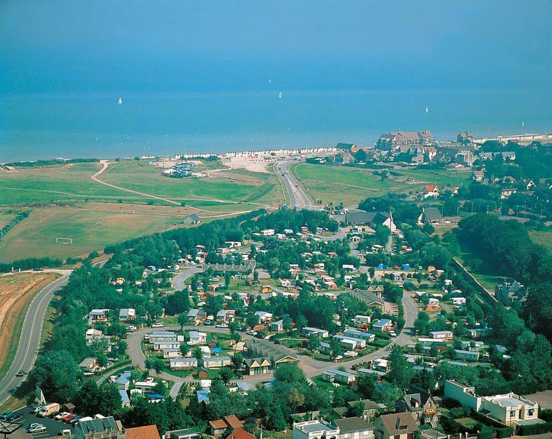 De Camping Le Havre De Bernieres Beschikt Over Prima Uitgeruste Stacaravans En Een Verwarmd Openluchtzwembad Met Geintegree Pays De La Loire Zandstrand Camping