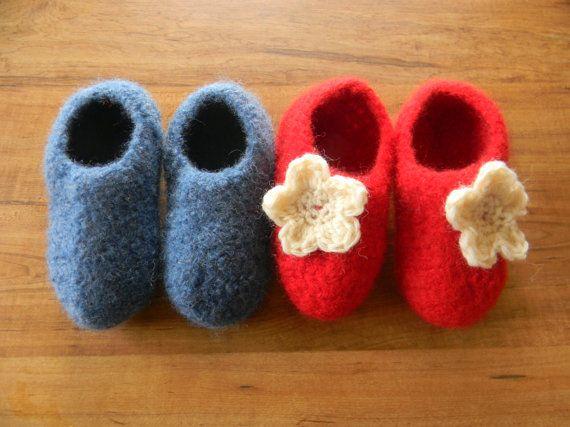 Easy felted crochet slippers pattern | Crochet inspiration ...