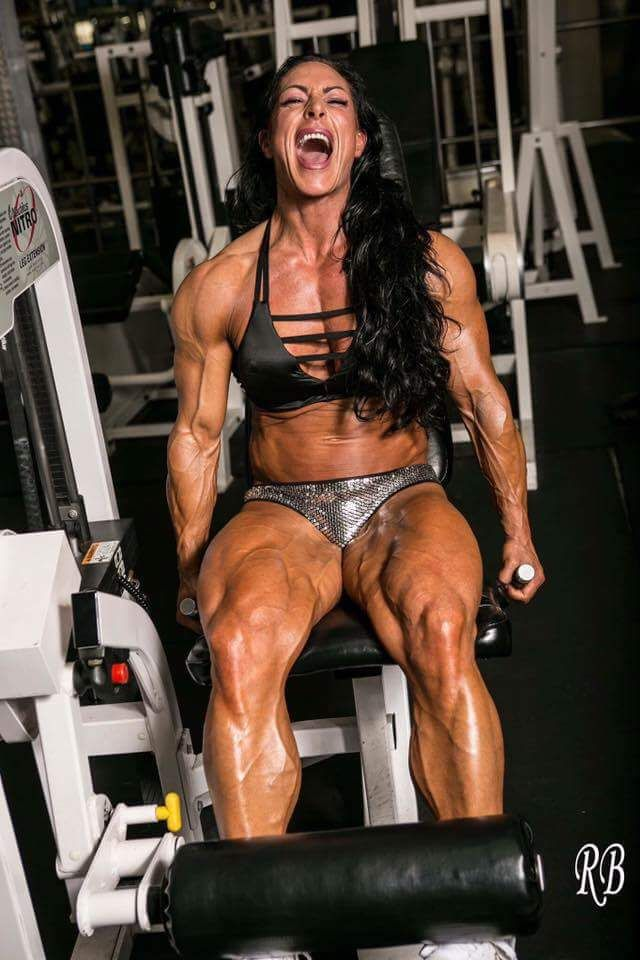 Female Bodybuilder Develop In Her Body With Blood, Sweat -2415