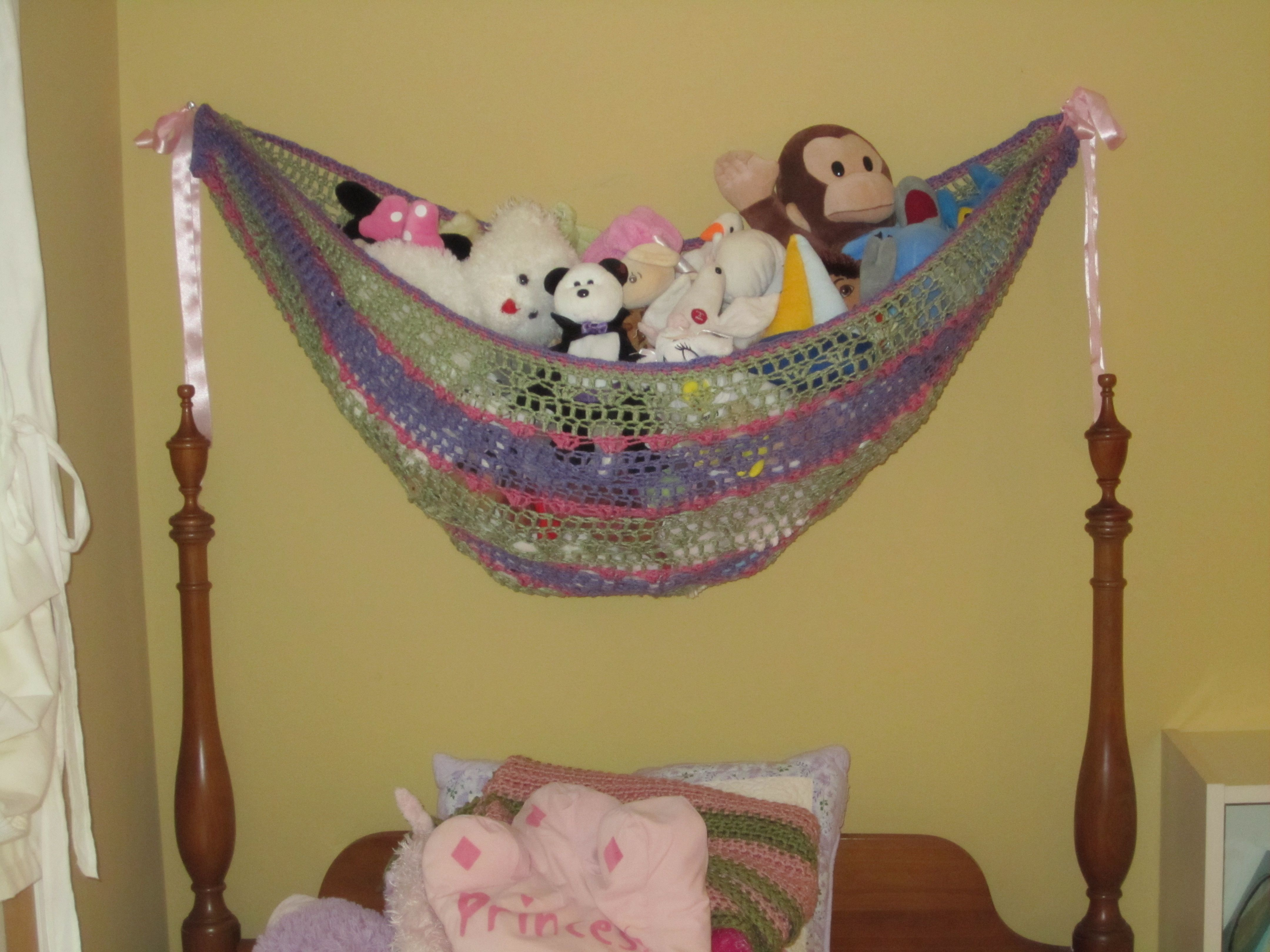 Organizing My Daughter\'s Room | Blanket, Crochet and Organizing