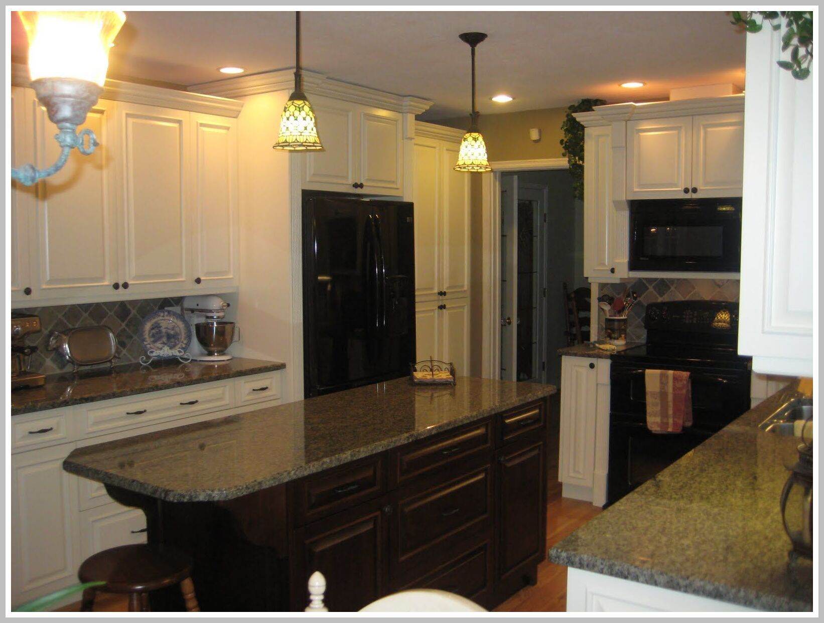 41 Reference Of Black Countertops With Brown Cabinets Kitchen Countertops Granite Colors Kitchen Cabinets With Black Appliances Black Countertops