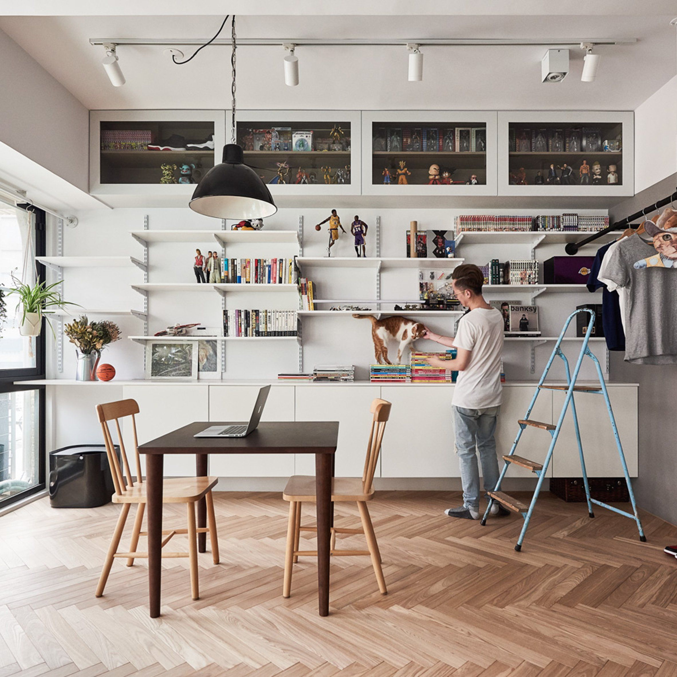 Amazing Taiwanese Design Practice ST Studio Has Opened Up The Interior Of This  Taipei Apartment To Create A Flexible Space For The Owner And His Two Cats.