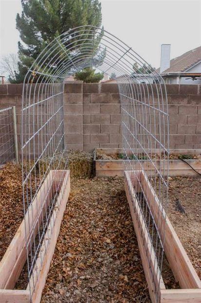 How to make a Trellis & Raised Garden Box Combo -   25 stone garden beds ideas