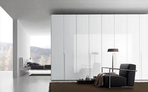 Loft Stil Wohnung Skandinavisch Weiß Puristisch Raumteiler  Schrank Weiß Sessel Gepolstert