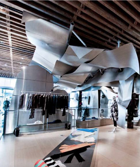 6bab4ad90d tribeca ISSEY MIYAKE | ARCHITECTURE - Frank Gehry | Origami fashion ...