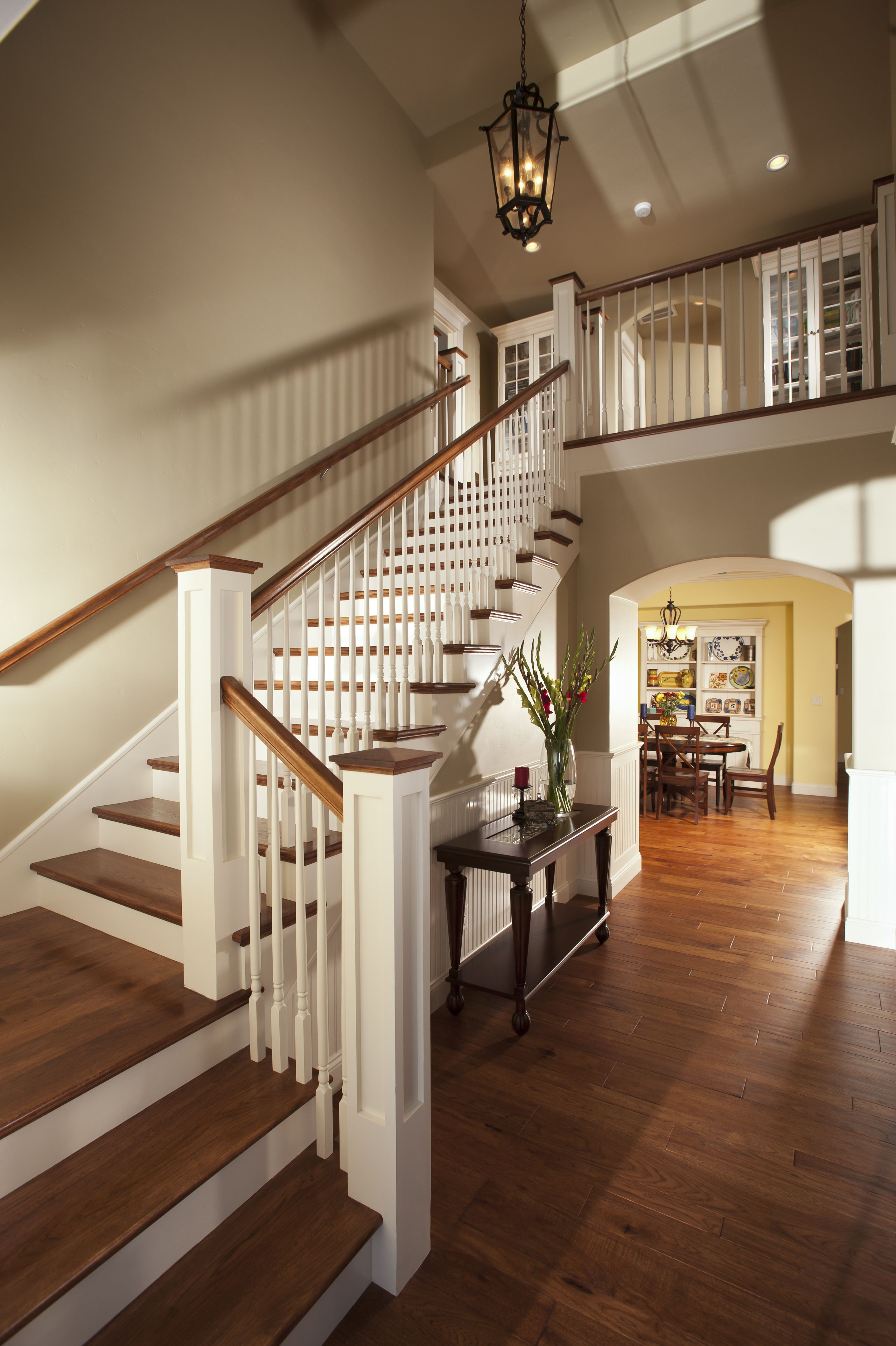 Best Custom Home Build Staircase Staircase Handrail 400 x 300