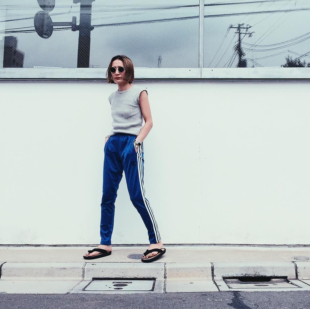 tops: #fumikauchida #fumika_uchida, pants: #adidas #adidasoriginals, shoes…