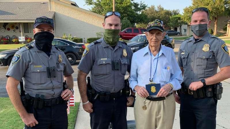 Oklahoma City Police Officers Help Celebrate Military Veteran S 100th Birthday Military Veterans Police Officer Oklahoma