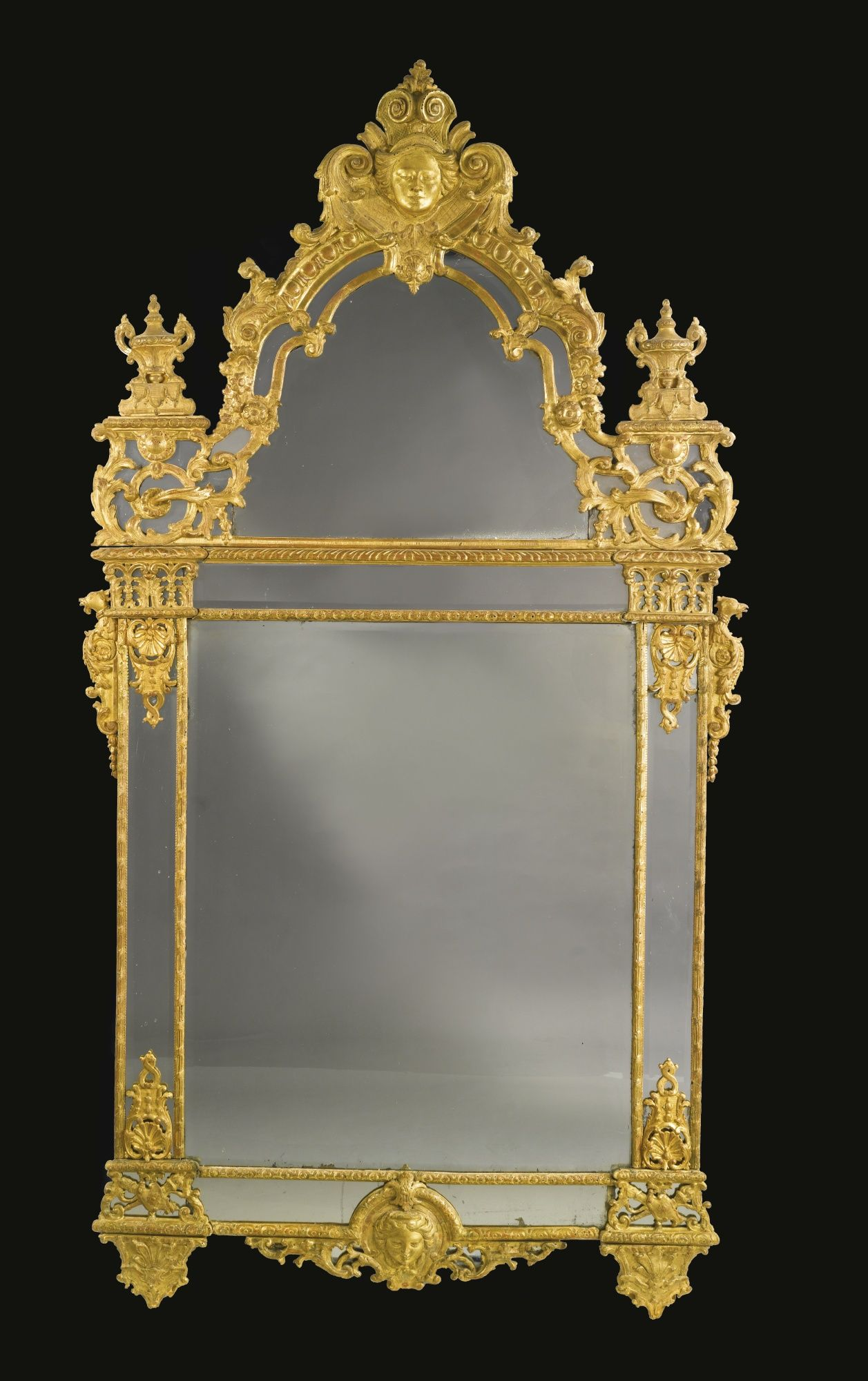 c1720 A RÉGENCE CARVED GILTWOOD MIRROR circa 1720 Estimate 20,000 — 30,000  USD LOT SOLD. 25,000 USD (Hammer Price with Buyer's Premium)