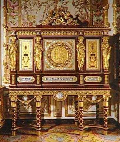 Serre-bijoux de Marie-Antoinette, par Jean-Ferdinand Schwerdfeger (1787 -  Versailles) | Meuble de style, Mobilier de salon, Les sculpteurs