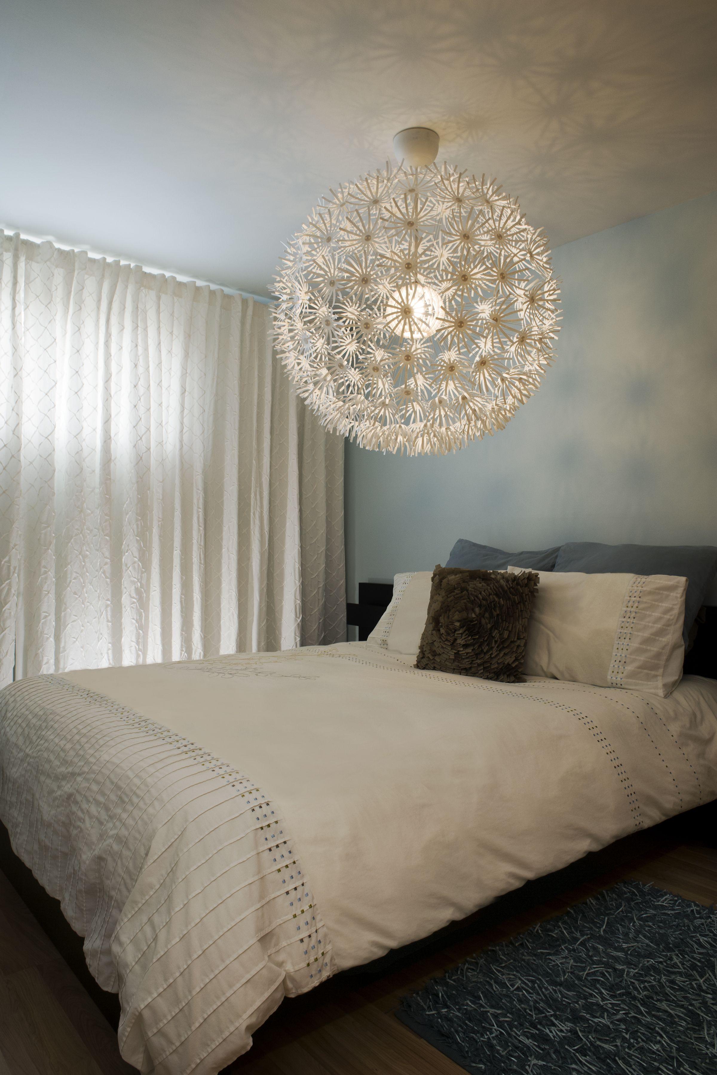cette magnifique teinte de bleu p le est parfaite pour. Black Bedroom Furniture Sets. Home Design Ideas