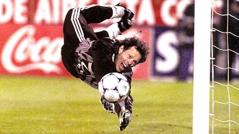 Michel Preud'homme, Benfica.  SLBenfica 1-1 FCPorto, 1998/99.