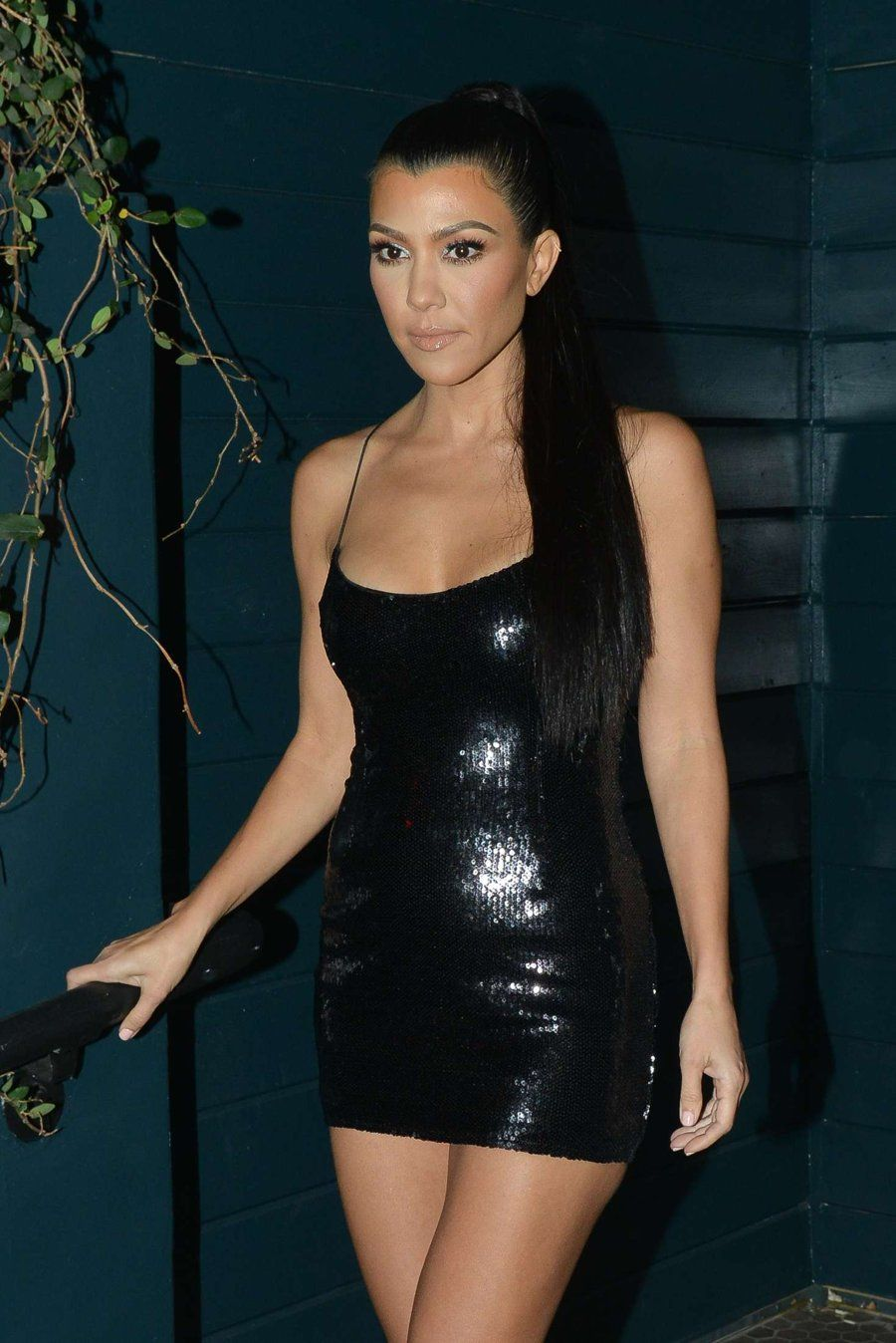 Kourtney Kardashian  TOTAL BLACK  Pinterest  Kourtney kardashian