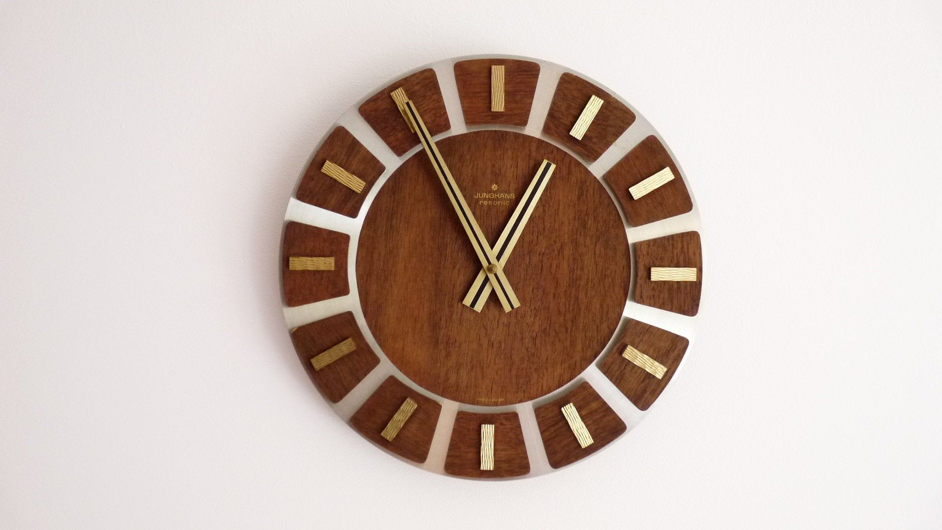Wall Clock Junghans Resonic Teak Wood Brass Metal Mid Century 60s 70s