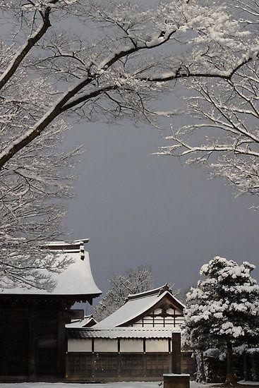 thekimonogallery:  Zuiryu-ji temple, Hokkaido, Japan. Photo by Mark Bolton (via Kumi Ito of Pinterest)