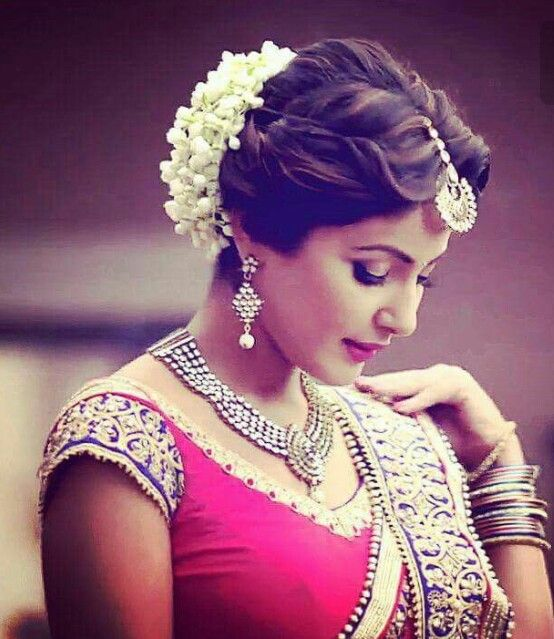 Indian Loose Hair Wedding Hairstyles: Pin By Sri On Model For Fashion ..