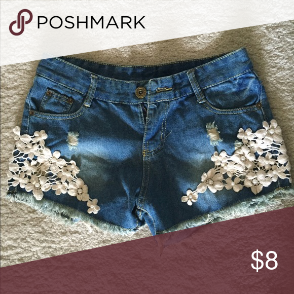 Jeans Shorts with White Knit Details Never worn. I estimate the size to be a medium, because I cannot find the size marker: Shorts Jean Shorts