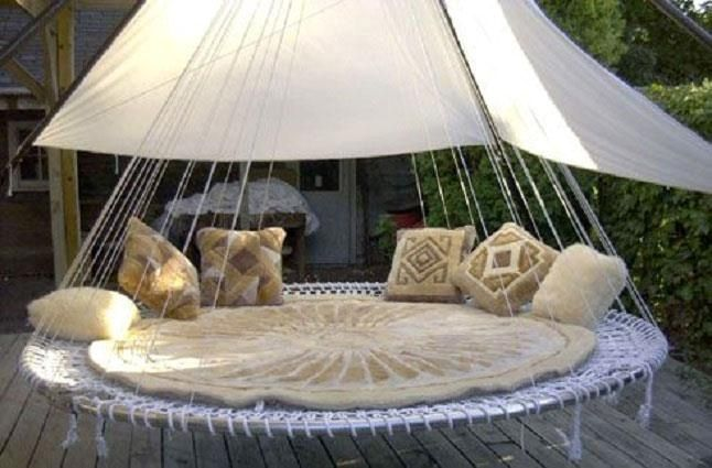 Trampoline Swing Bed Turn A Trampoline Into An Outdoor Hanging Bed Outdoor Hanging Bed Outdoor Beds Outdoor Bedroom