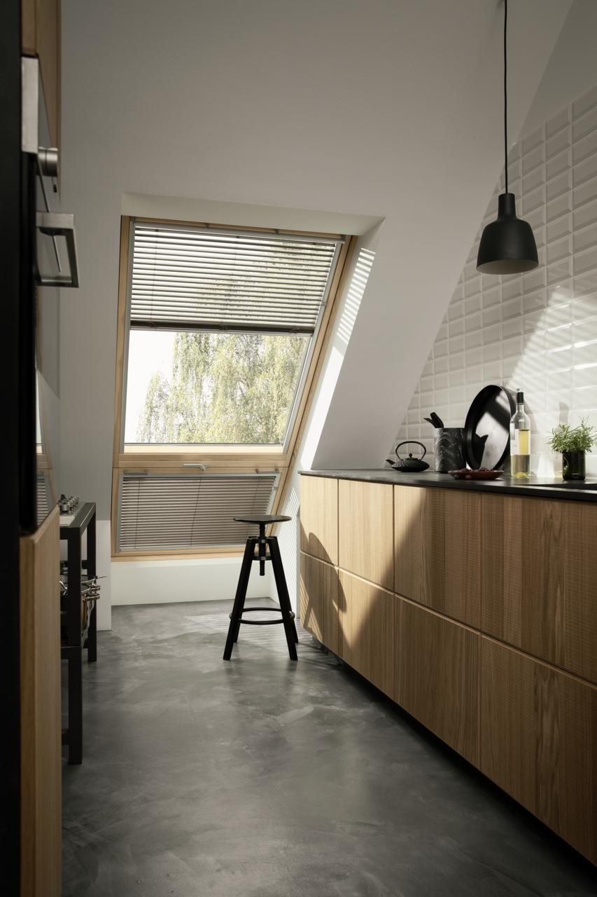 Gordijn op maat schuin raam in de keuken dakraam. Industriële look ...