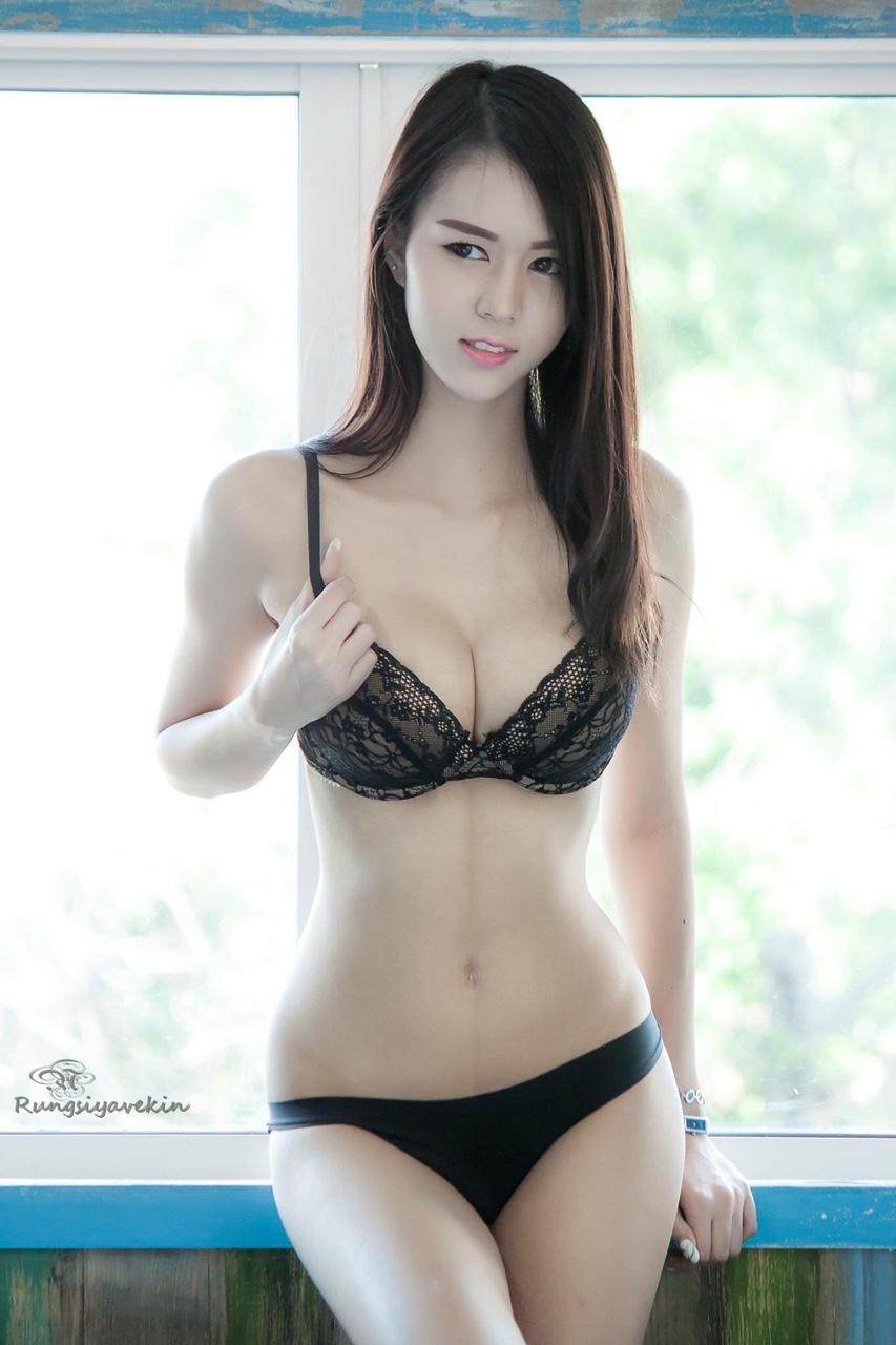 Thai Hotties
