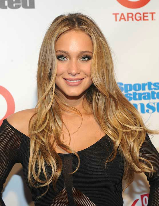 Hannah Davis Derek Jeters Girlfriend Lands Sports Illustrated