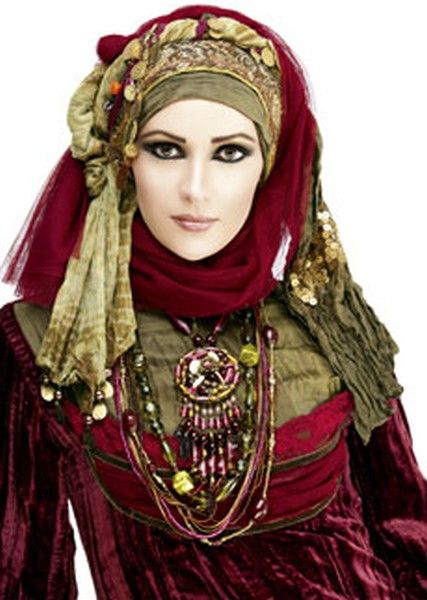 I adore complicated headdresses, wraps and turbans.  While not the height of current belly dance style, I love this look.